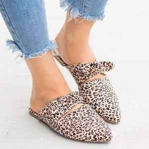 Shoes - Leopard Print Bow-Pointed Toe Flat Mules